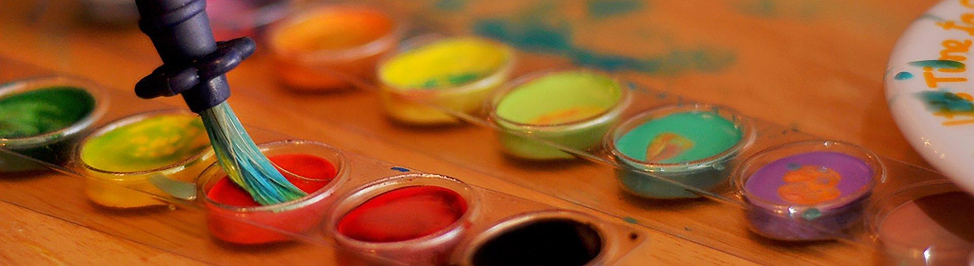 maleri-kunst-noergaards-hoejskole-begynder-palet-oliemaleri-tegning-qrouqis-farver-staffeli-akvaral-vandfarver-kul